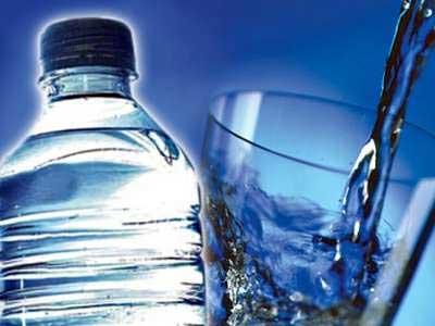 Voda nije toliko zdrava, evo zašto biste trebali smanjiti unos tekućine