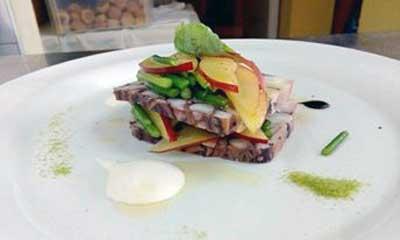 Kako pravilno skuhati hobotnicu, Recept: hobotnica sa salatom od paskija i nektarinama by Chef Vinko Frlan