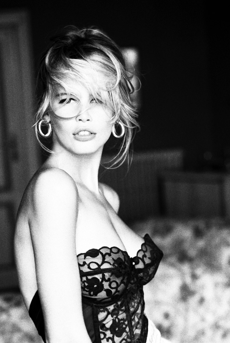 Claudia Schiffer for Guess? by Ellen Von Unwerth Photography