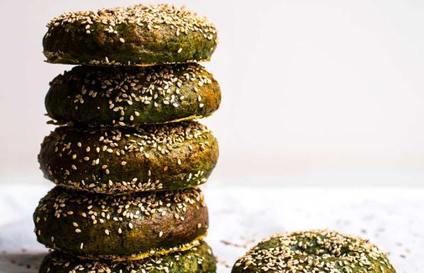 Spinach And Beetroot Bagel
