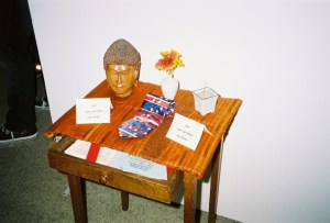 Organizer Laurie Doyle imagines Chi-Tung's desk at home.