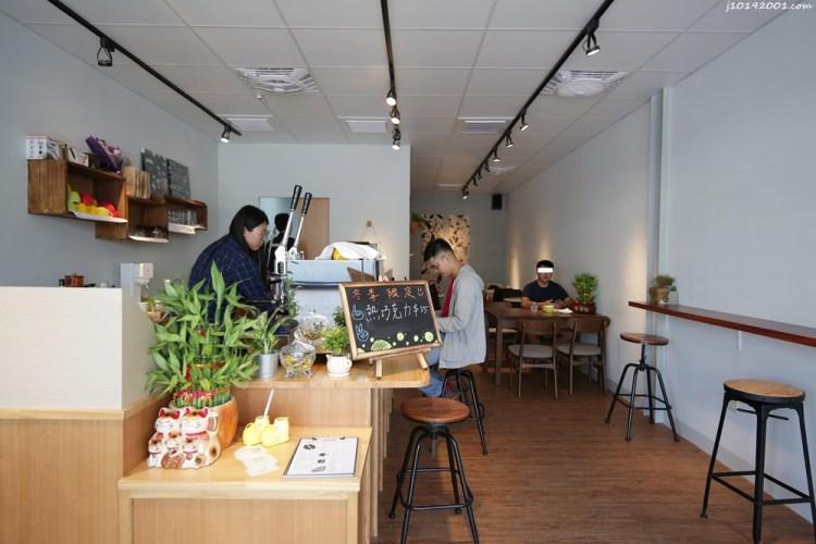 高雄美食︱茄萣咖啡店 Dean coffee 萣咖啡 咖啡/茶/氣泡飲/鬆餅/吐司/甜點 平日7點半營業