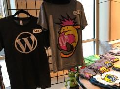 W ロゴ・Wapuunk シャツ