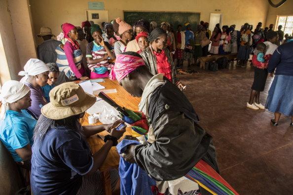 クバタナ発育阻害防止センターにおける国連WFPの活動。ジンバブエ・ムタレ地区 写真:WFP/Matteo Cosorich