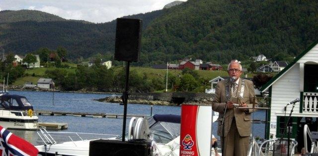 Ordførar Helge Hauge opna Jåttseglarutstillinga 26. juni 2010