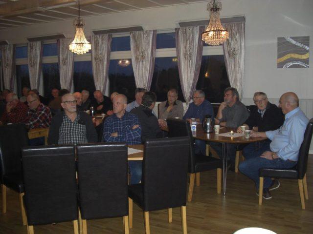 Stort frammøte av sjøfolk frå heile Bømlo under medlemskvelden.
