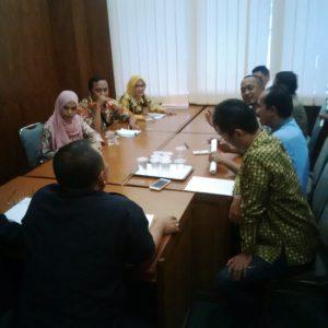 Guru honorer madrasah meminta Kemenag Jabar menindak tegas Kemenag kabupaten/kota yang telat cairkan TPG. (jabartoday/eddy koesman)