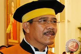 Ketua MA Hatta Ali (ant)