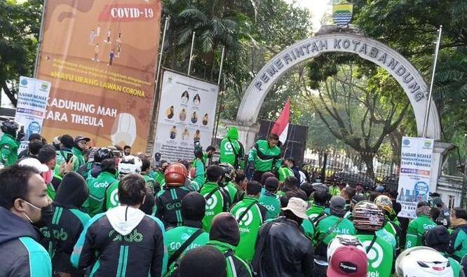 Demo Ojek Online Bandung