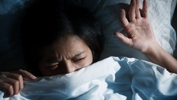 eureu-eureup tidur tindihan sleep paralysis