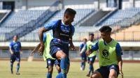 Latihan Persib Bandung GBLA
