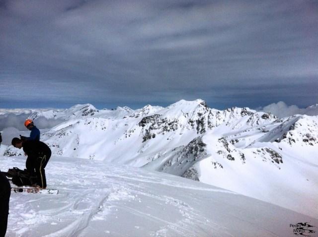 Vista del Pico Escalar desde la cima del Pico Belonseiche