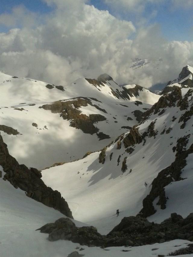 Claros y nubes en un día fantástico para esquiar y no pasar mucho calor