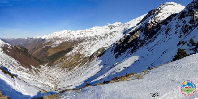 Panorámica del valle de Arnousse, desde arriba del fondo de valle