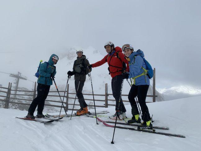 Parte alta del paso de Tortiellas. De ida. a dcha. Ignacio, jorge, Jose Carlos y Ana