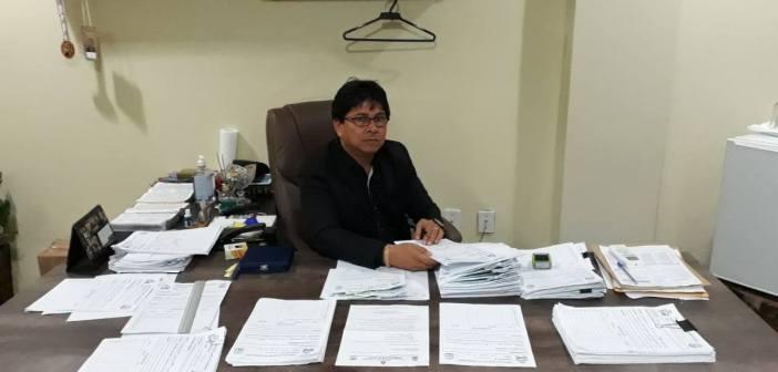Prefeito Raimundo Batista Santiago Despacha no Gabinete com Aumentos das Demandas