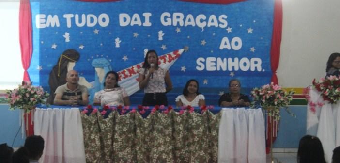 Escola Municipal Carmem Valente Realiza Entrega de Certificados de Alunos do Ensino Fundamental