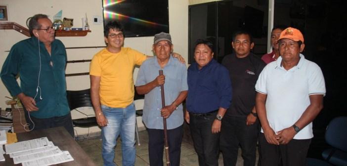 Prefeito Raimundo Batista Santiago recebeu lideranças da Aldeia Missão Velha