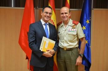 el-coronel-pedro-banos-y-el-director-de-la-academia-general-militar