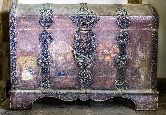 old-chest-1508561_960_720