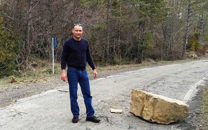 Hosman Flórez en la carretera de Osia
