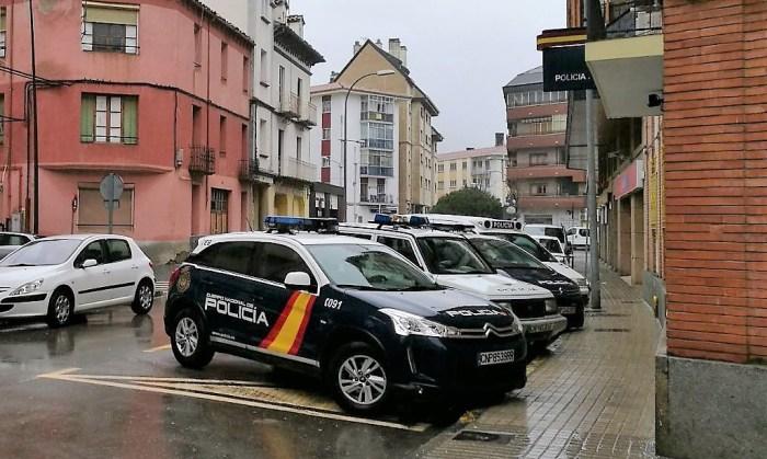 JACA. AVENIDA ZARAGOZA policía