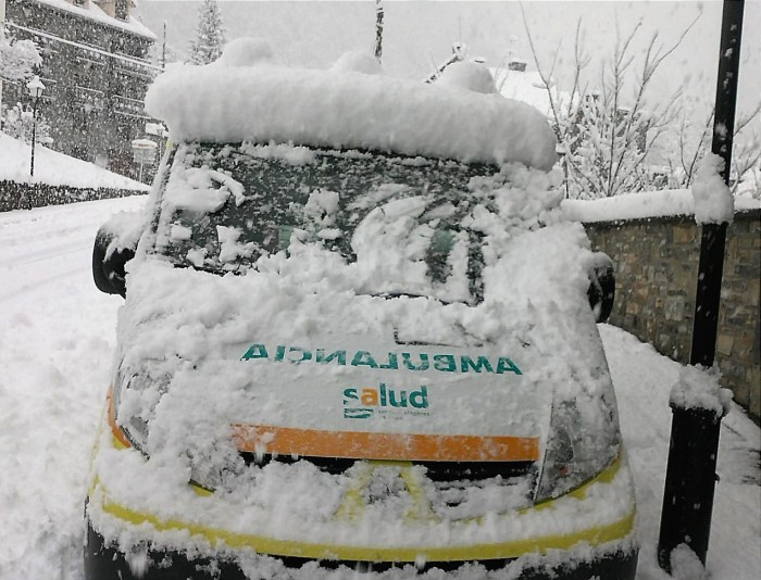 ambulancia en invierno.