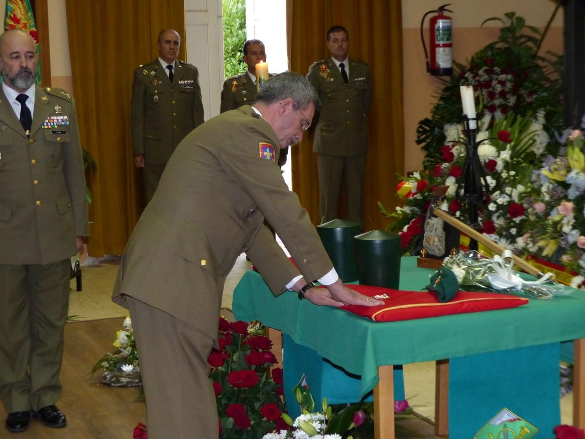 Familiares y amigos despiden al Comandante Yarto en la Escuela Militar de Montaña de Jaca