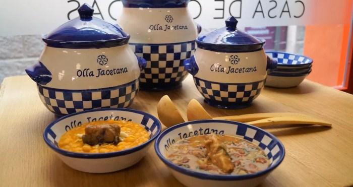 Una de las versiones de la Olla Jacetana, con la vajilla oficial. En este caso, la propuesta de La cocina Casa de Comidas de Jaca (FOTO: Rebeca Ruiz)