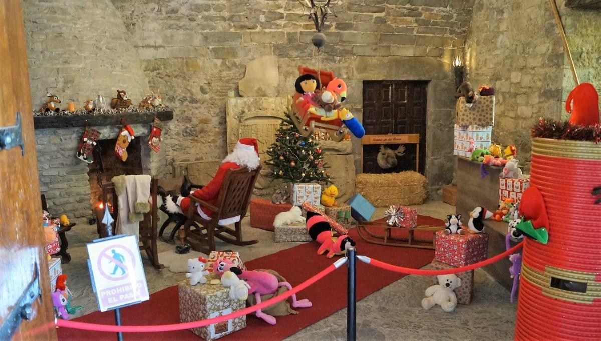 Los más pequeños tienen una cita con Papá Noel en la Ciudadela de Jaca
