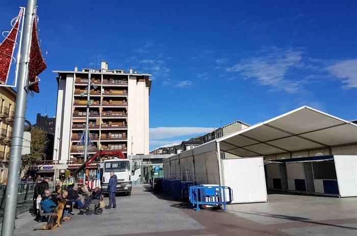 JACA carpa mercado solidario plaza de Biscós