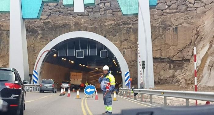 CORTES DE TRÁFICO. Trabajdos de mantenimiento en los túneles de Monrepós, en una imagen de archivo. (FOTO: Rebeca Ruiz)