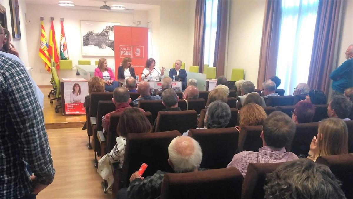 """El PSOE se compromete en Sabiñánigo a """"gobernar para mejorar la vida de la gente"""""""