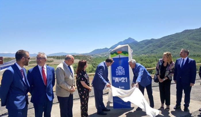 NUEVOS KILÓMETROS. Acto oficial de puesta en servicio del tramo Jaca Oeste-Santa Cilia. (FOTO: Gobierno de Aragón)