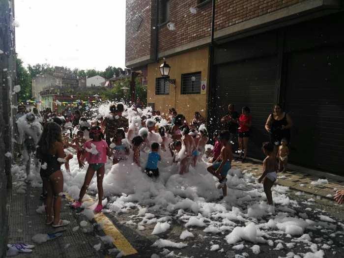 FIESTAS. Barrio Santiago de Sabiñánigo (https://www.facebook.com/barrio.santiago.sabi)