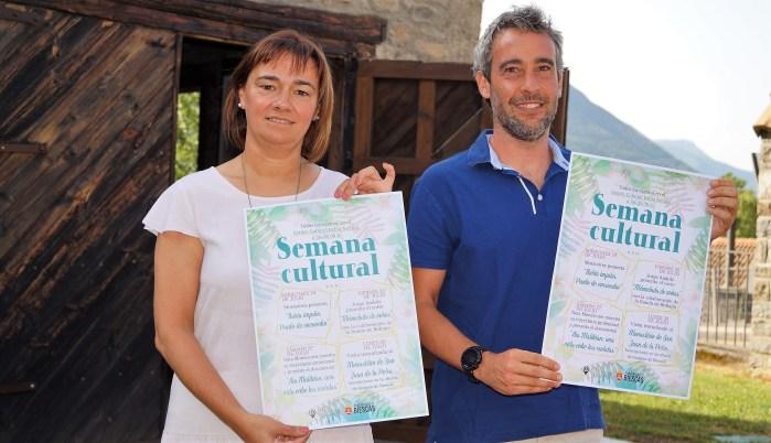 PROPUESTAS. Nuria Pargada y Javier de Etura presentaron las nuevas propuestas turísticas y culturales. (FOTO: Rebeca Ruiz)