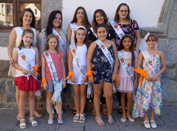 PRESIDENTA Y DAMAS INFANTILES DE BIESCAS 2019. Inauguración oficial del Ayuntamiento. (FOTO: Rebeca Ruiz)