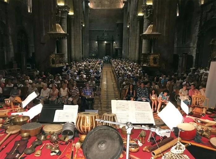 ESPECTADORES. Concierto de Esther Ciudad en la Catedral de Jaca. (FOTO: FICS)