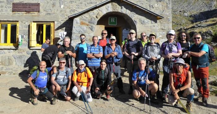 INSIGNIA. Participantes de una de las últimas salidas organizadas por la Sección de Montaña de Mayencos, este verano -Marboré-. (FOTO: Chema Tapia)