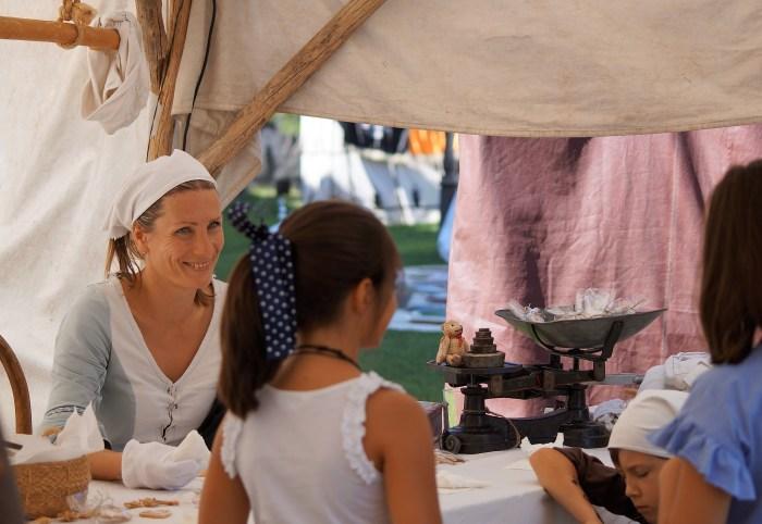 OFICIOS Y CRIATURAS MEDIEVALES. Mercado de las Tres Culturas de Jaca. (FOTO: Rebeca Ruiz)