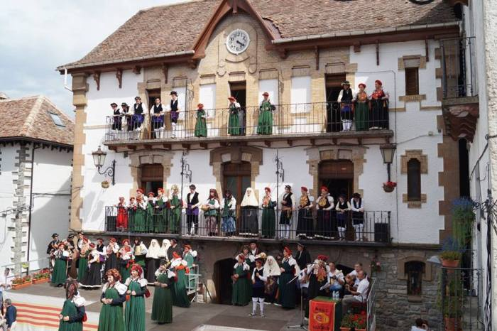 ANSÓ. El Día del Traje Típico, en una imagen de archivo. (FOTO: Rebeca Ruiz)
