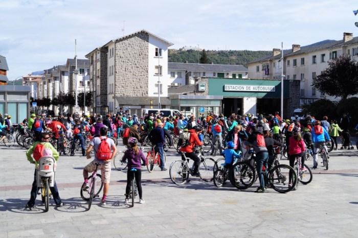 DÍA DEL PEDAL. Imagen de archivo del Día del Pedal en Jaca. FOTO: Rebeca Ruiz.