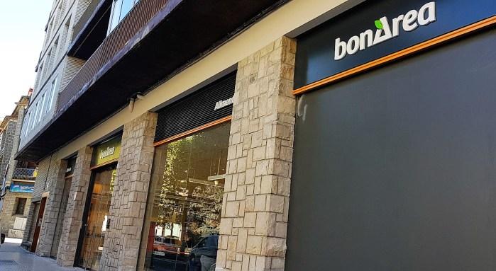 BONÀREA. El nuevo supermercado de Jaca está ubicado en la Avenida Juan XXIII. (FOTO: Rebeca Ruiz)