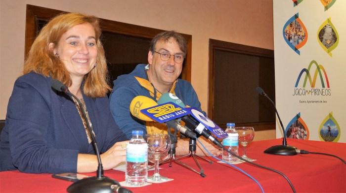 VISITAS AL FUERTE DE RAPITÁN. Moratinos y Bueno, durante la presentación. (FOTO: Rebeca Ruiz)