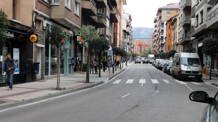 SABIÑÁNIGO. Calle Serrablo, en una imagen de archivo. (FOTO: Rebeca Ruiz)