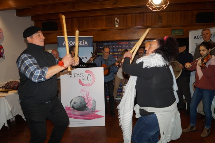 GAITERS DE CHACA. Actuación durante el acto de entrega de premios. (FOTO: Rebeca Ruiz)