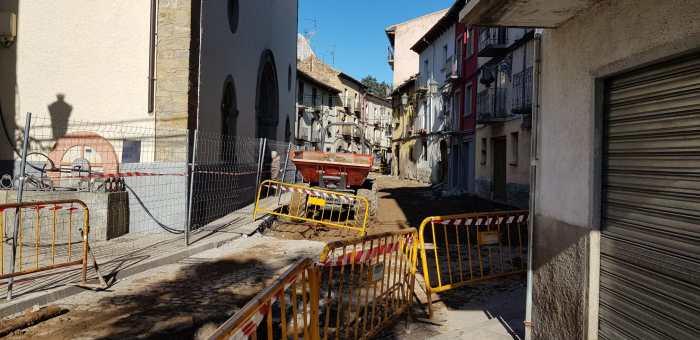 CALLE FERRENAL. La reurbanización ya ha comenzado. (FOTO: Rebeca Ruiz)