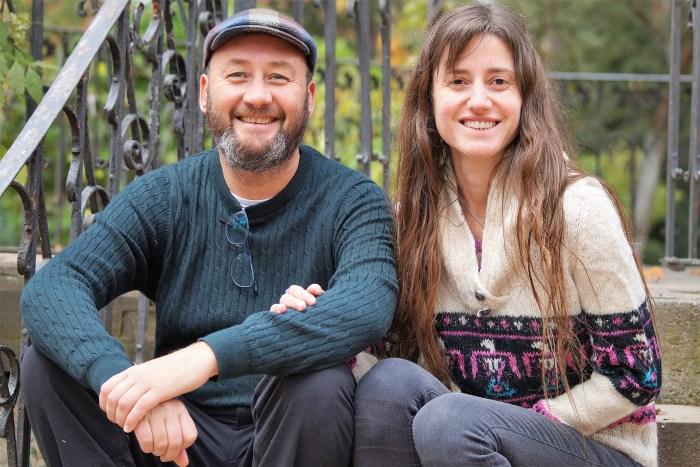 CAMINO DE SANTIAGO.  Alejandra y Antonio quieren comenzar su proyecto de vida en Jaca, donde se conocieron. (FOTO: Rebeca Ruiz)