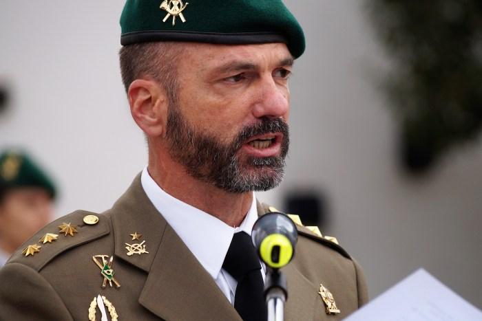 RELEVO DE MANDO DEL CORONEL JEFE DEL REGIMIENTO GALICIA. El Coronel Francisco Javier Lucas de Soto, durante su discurso. (FOTO: Rebeca Ruiz)