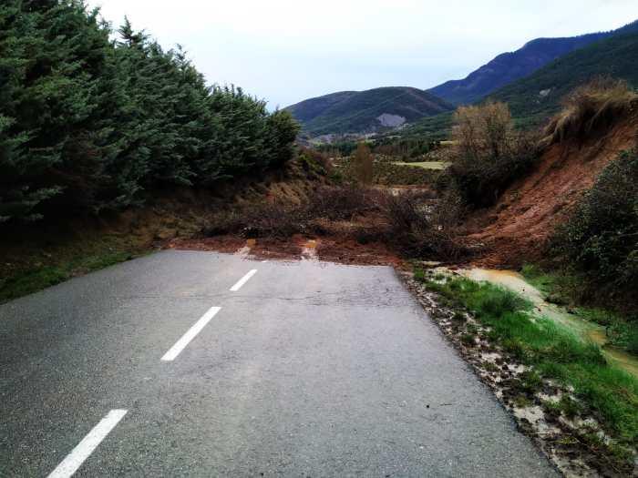 DESPRENDIMIENTOS. Carretera Ulle-Barós. (FOTO: Servicio de Emergencias del Ayuntamiento de Jaca)